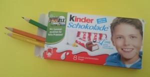 Testmaterial: Kinderschokoladenschachtel mit falsche Inhalt - Bild: Stephanie Braun